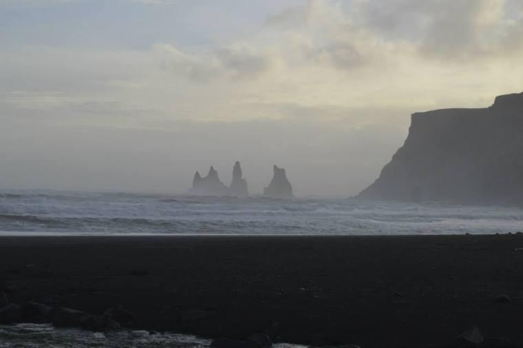 vik beach 2