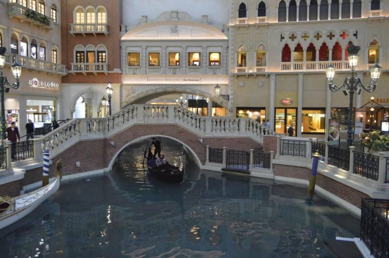 venetian gondola 3